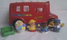 Adorable Fisher Price 'Little People Beeps Musical & Light Up School Bus' & Figures